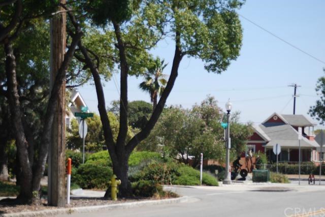Closed | 393 N Campus  Avenue Upland, CA 91786 16