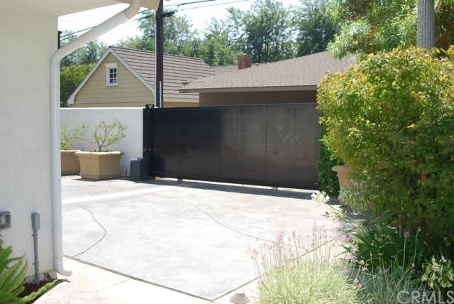 Closed | 1685 N 1st Avenue Upland, CA 91784 23