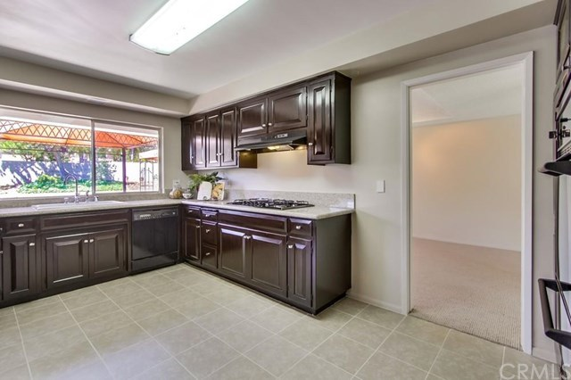 Closed | 1627 N 1st Avenue Upland, CA 91784 10