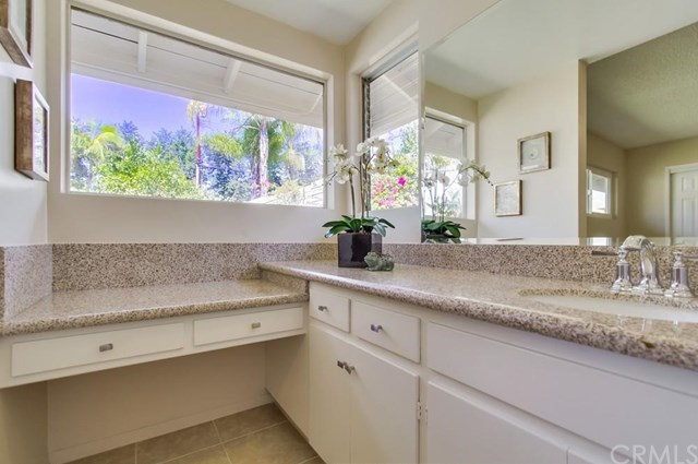 Closed | 1627 N 1st Avenue Upland, CA 91784 22
