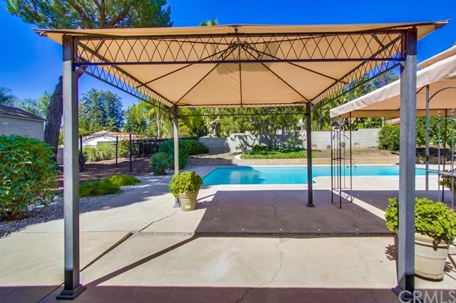 Closed | 1627 N 1st Avenue Upland, CA 91784 32