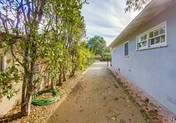 Closed | 1546 Hacienda Place Pomona, CA 91768 55