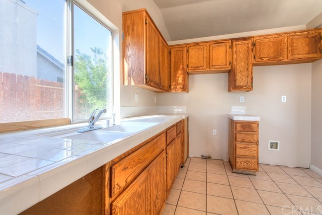 Closed | 8361 Dove Creek Hesperia, CA 92344 18