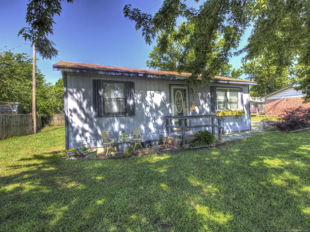 Off Market | 62 S Oak Street Pryor, OK 74361 2