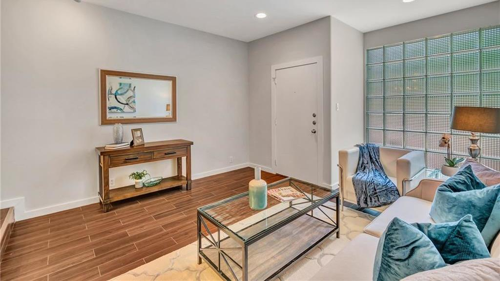 Sold Property | 4241 Buena Vista Street #12 Dallas, Texas 75205 2