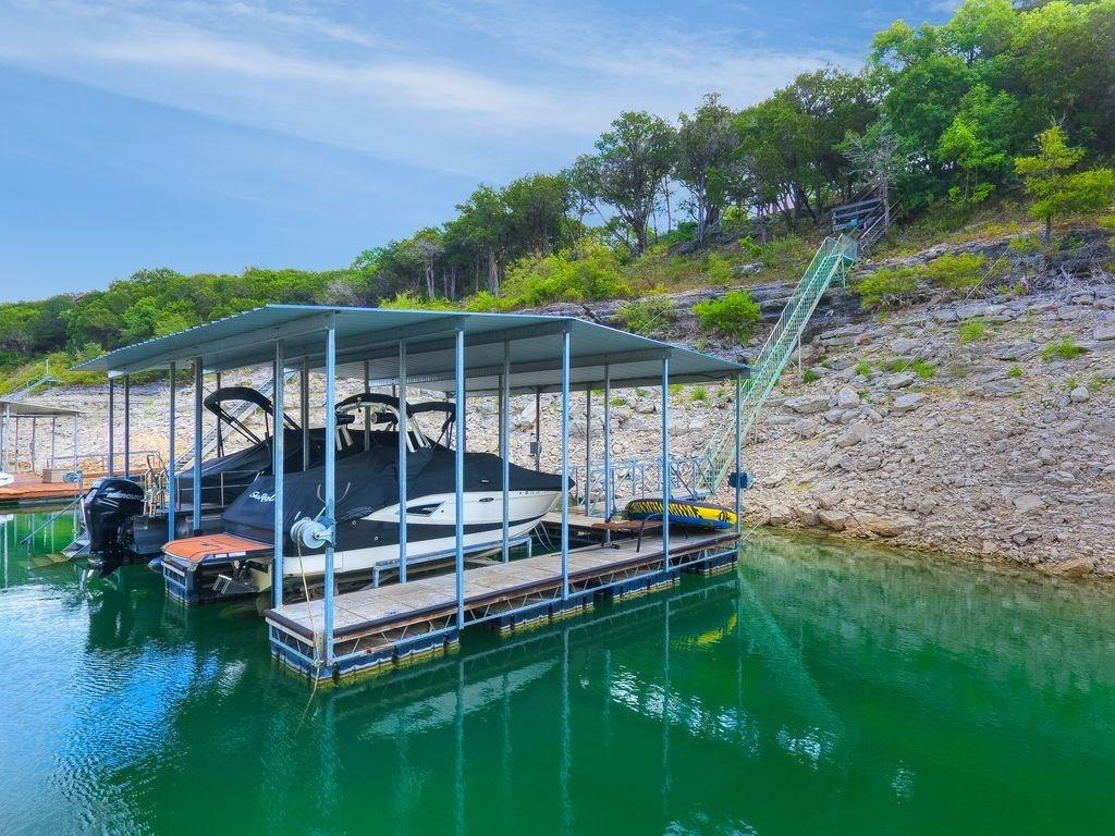 Active | 3902 Red Bird Trail #B Lago Vista, TX 78645 2