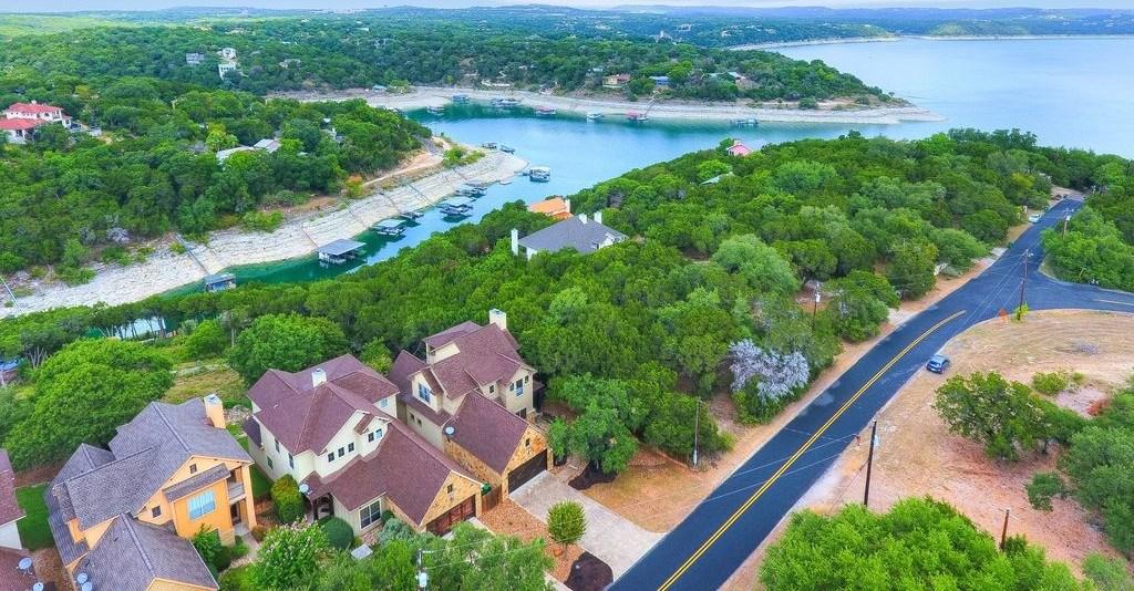 Active | 3902 Red Bird Trail #B Lago Vista, TX 78645 23