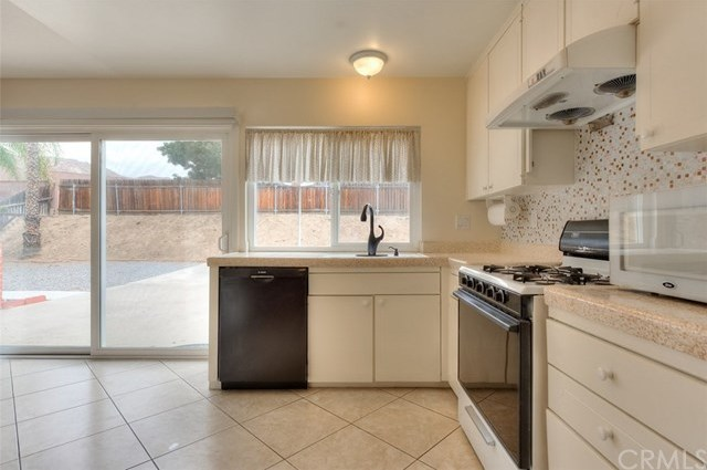 Closed | 3356 Valencia Hill Drive Riverside, CA 92507 7
