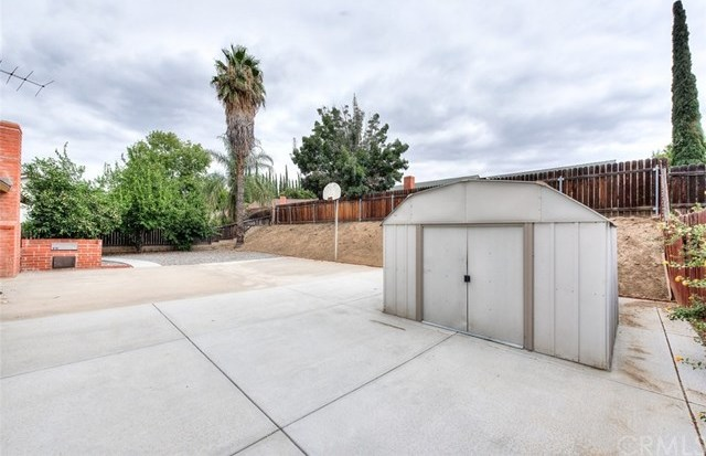 Closed | 3356 Valencia Hill Drive Riverside, CA 92507 21