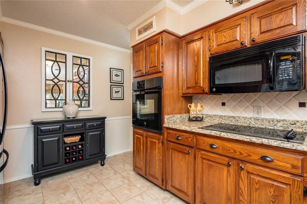 Sold Property   1909 Roosevelt Drive Pantego, Texas 76013 13