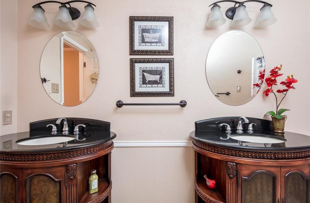 Sold Property   1909 Roosevelt Drive Pantego, Texas 76013 18