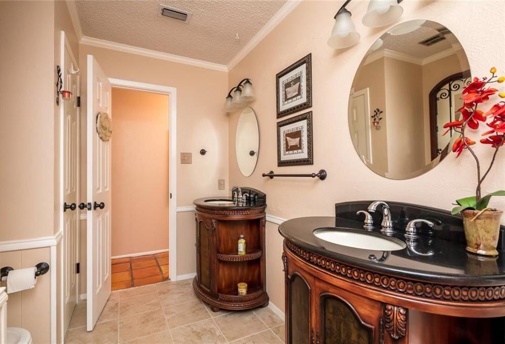 Sold Property   1909 Roosevelt Drive Pantego, Texas 76013 19
