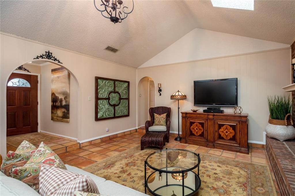 Sold Property   1909 Roosevelt Drive Pantego, Texas 76013 4