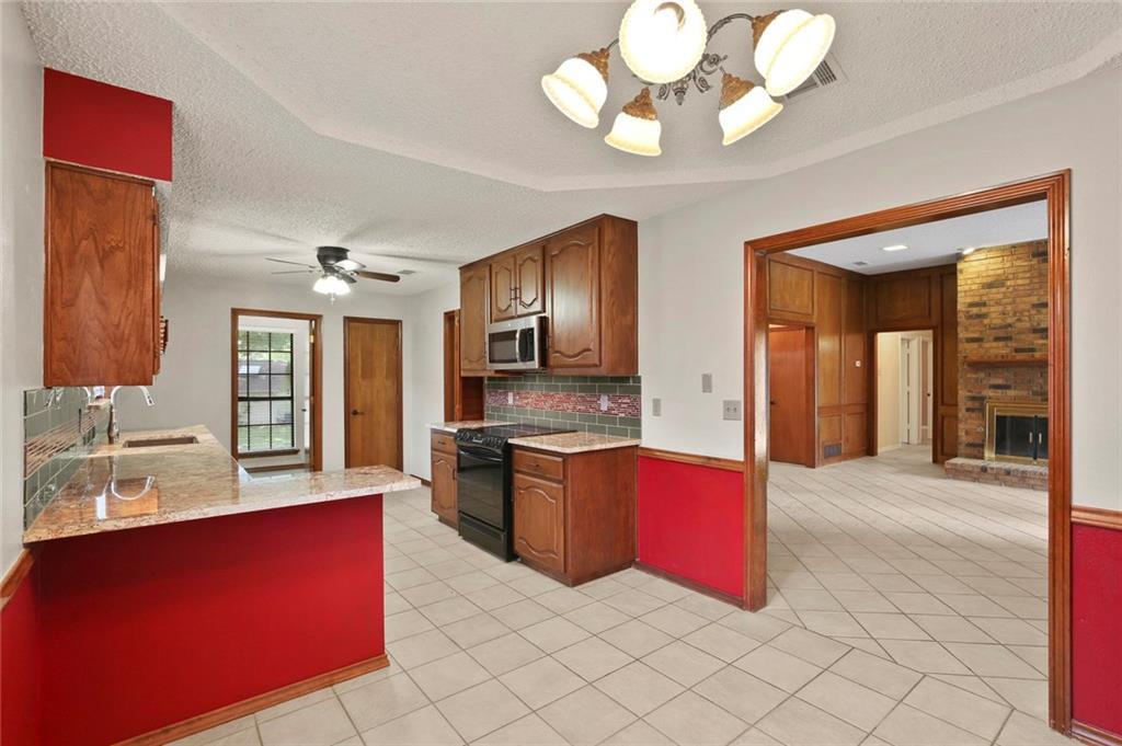 DFW Real Estate | 514 Glen Canyon Drive Garland, Texas 75040 13