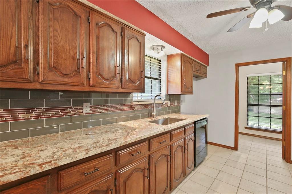 DFW Real Estate | 514 Glen Canyon Drive Garland, Texas 75040 15