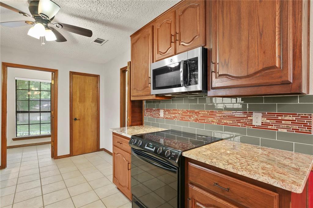 DFW Real Estate | 514 Glen Canyon Drive Garland, Texas 75040 16