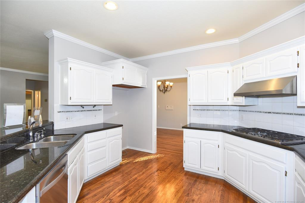 Off Market | 8607 E 98th Place Tulsa, OK 74133 13