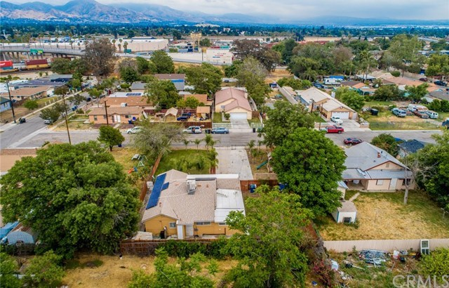 Closed | 1880 Davidson Avenue San Bernardino, CA 92411 35