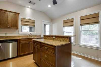 Sold Property | 6043 PENROSE Avenue Dallas, Texas 75206 12