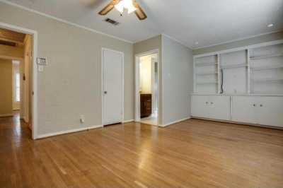 Sold Property | 6043 PENROSE Avenue Dallas, Texas 75206 15