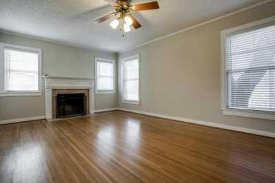 Sold Property | 6043 PENROSE Avenue Dallas, Texas 75206 3