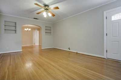 Sold Property | 6043 PENROSE Avenue Dallas, Texas 75206 5