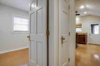 Sold Property | 6043 PENROSE Avenue Dallas, Texas 75206 8