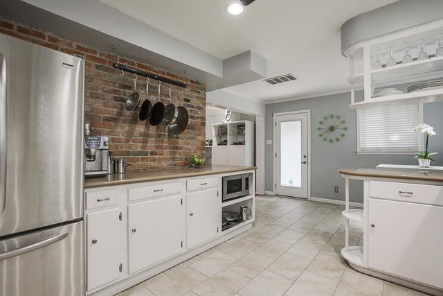 Sold Property | 6452 Highgate Lane Dallas, Texas 75214 4