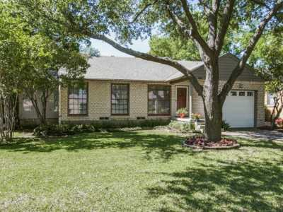 Sold Property | 6136 Saint Moritz Avenue Dallas, Texas 75214 20