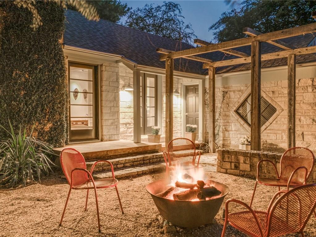 Sold Property | 6426 Vickery Boulevard Dallas, Texas 75214 2
