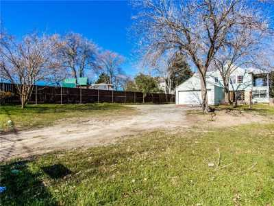 Sold Property | 7036 Gaston Avenue Dallas, Texas 75214 7