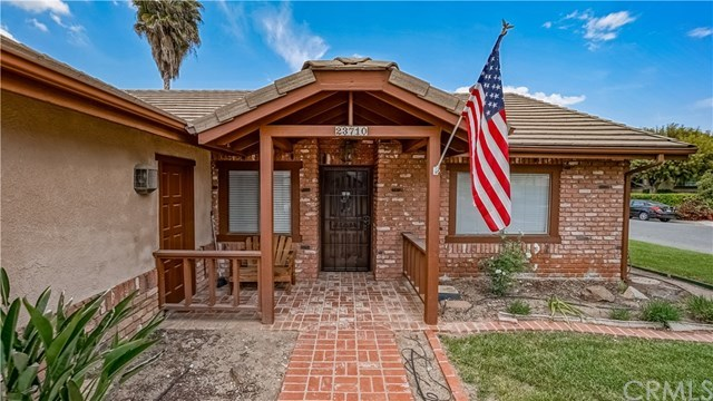 23710 Brook Drive Canyon Lake, CA 92587 | 23710 Brook Drive Canyon Lake, CA 92587 3