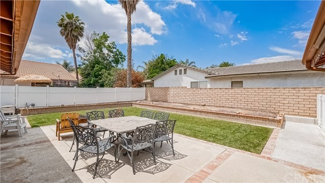 23710 Brook Drive Canyon Lake, CA 92587 | 23710 Brook Drive Canyon Lake, CA 92587 22