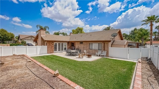 23710 Brook Drive Canyon Lake, CA 92587 | 23710 Brook Drive Canyon Lake, CA 92587 24