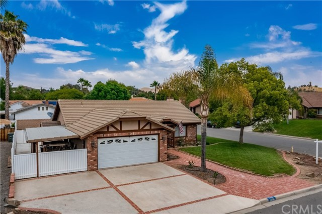 23710 Brook Drive Canyon Lake, CA 92587 | 23710 Brook Drive Canyon Lake, CA 92587 30
