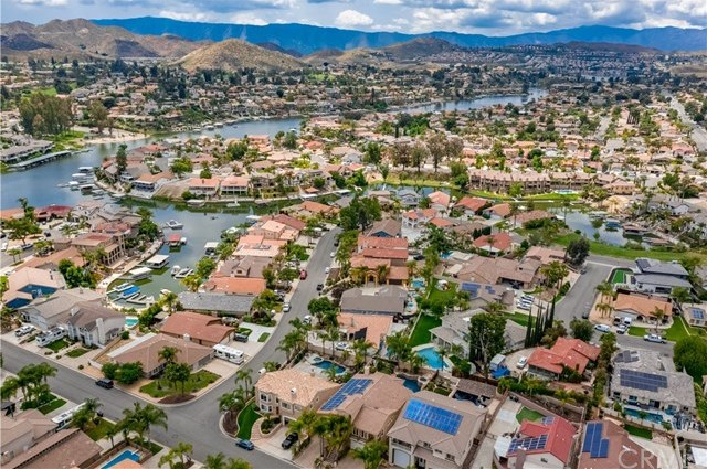 23710 Brook Drive Canyon Lake, CA 92587 | 23710 Brook Drive Canyon Lake, CA 92587 38