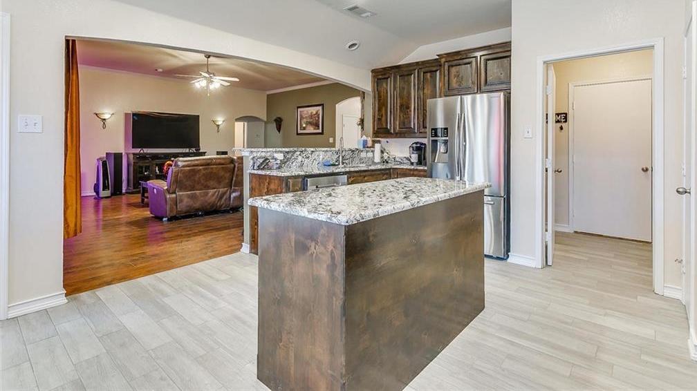 Sold Property | 924 Crowder Drive Crowley, TX 76036 15