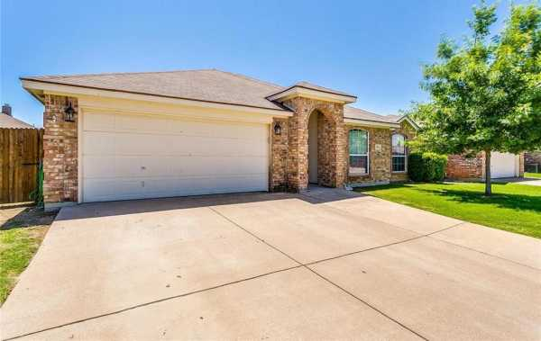 Sold Property | 924 Crowder Drive Crowley, Texas 76036 4