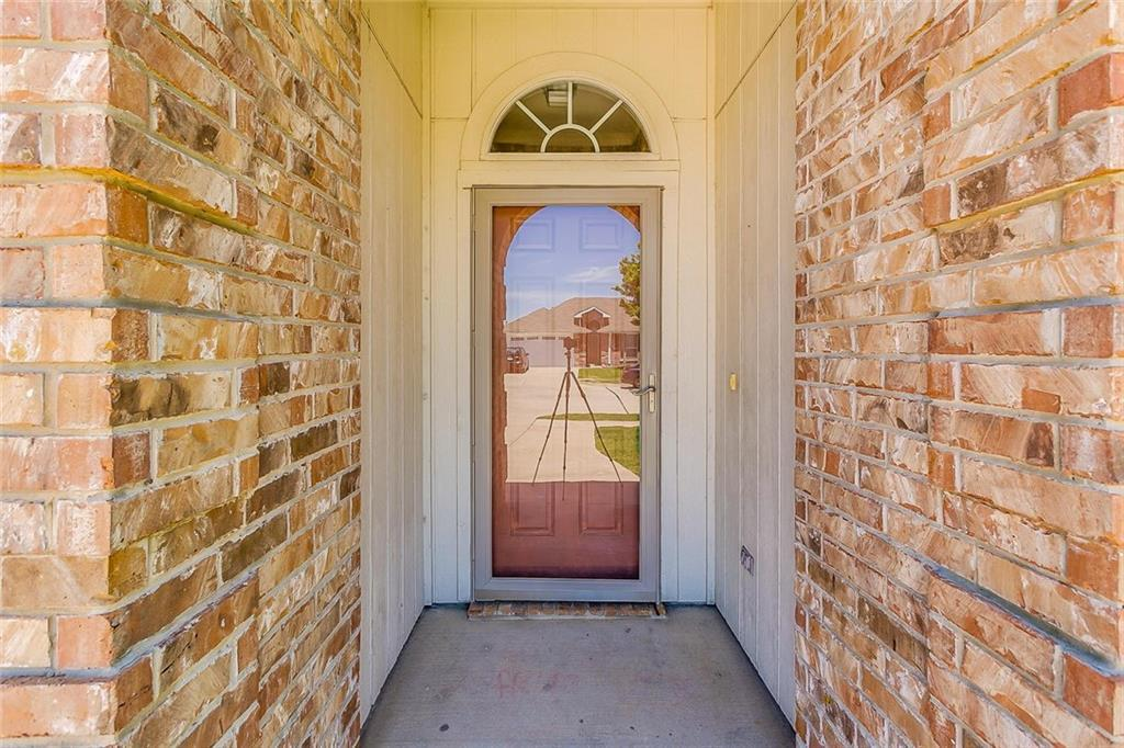 Sold Property | 924 Crowder Drive Crowley, TX 76036 5