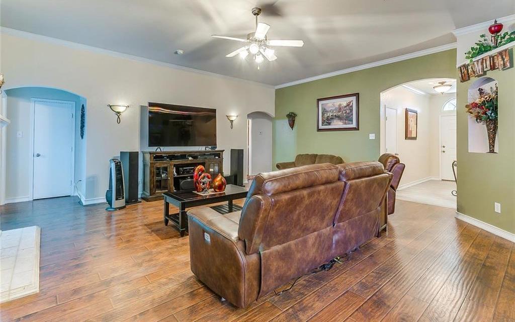 Sold Property | 924 Crowder Drive Crowley, TX 76036 7