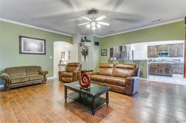 Sold Property | 924 Crowder Drive Crowley, Texas 76036 8