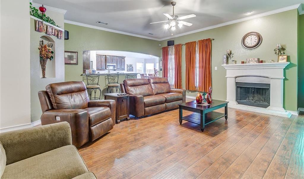 Sold Property | 924 Crowder Drive Crowley, TX 76036 9