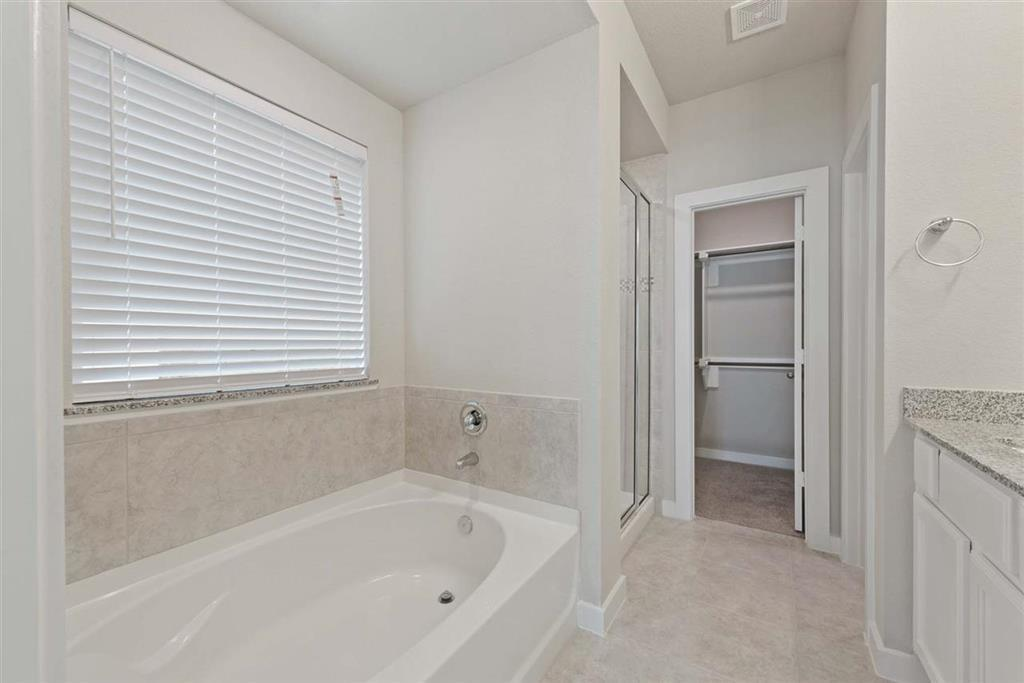 Active | 242 Aster View  Montgomery, TX 77316 12
