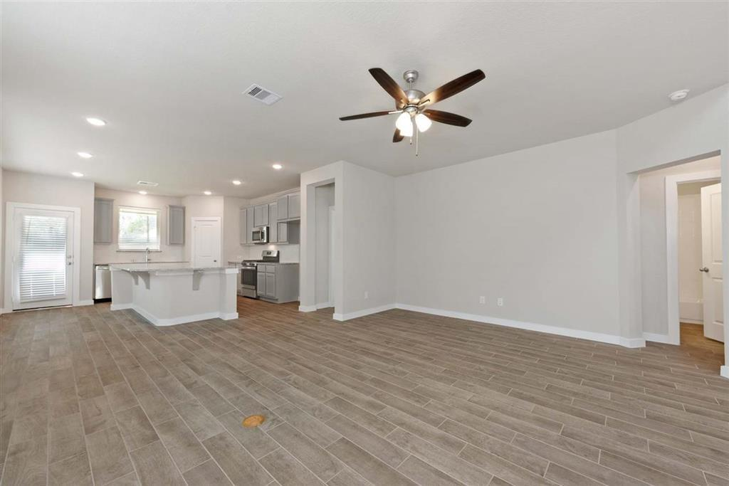 Active | 242 Aster View  Montgomery, TX 77316 15