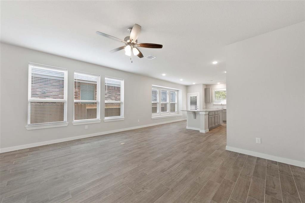 Active | 242 Aster View  Montgomery, TX 77316 16