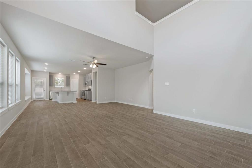 Active | 242 Aster View  Montgomery, TX 77316 6