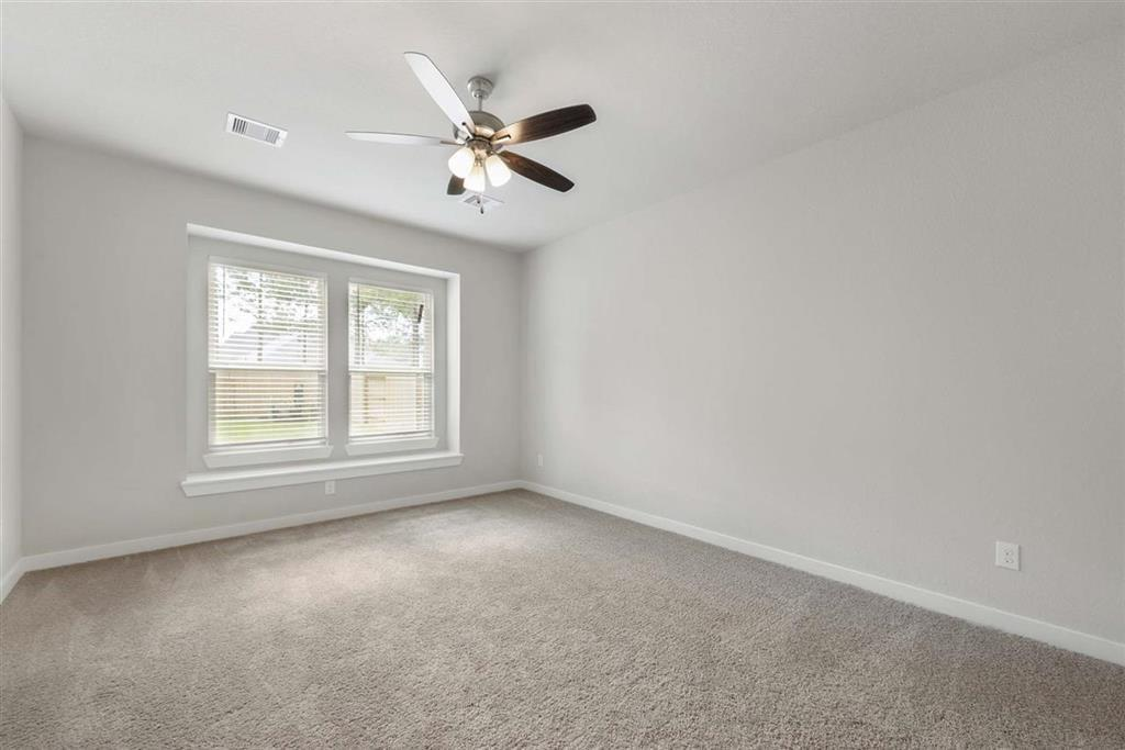 Active | 242 Aster View  Montgomery, TX 77316 8