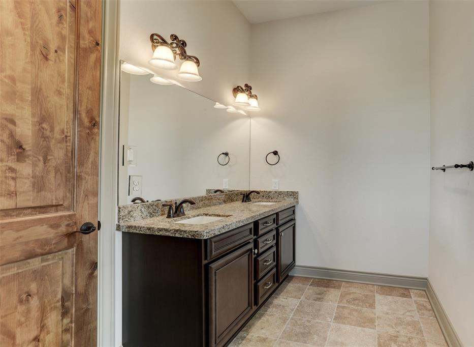 Option Pending | 2510 Beacon Circle League City, TX 77573 24