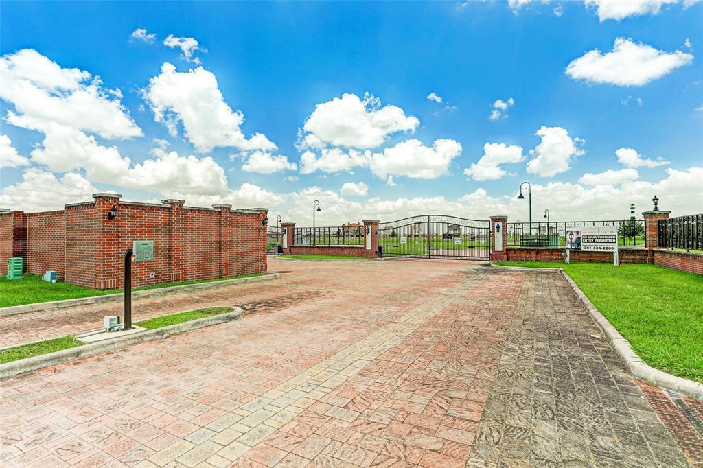 Option Pending | 2510 Beacon Circle League City, TX 77573 37