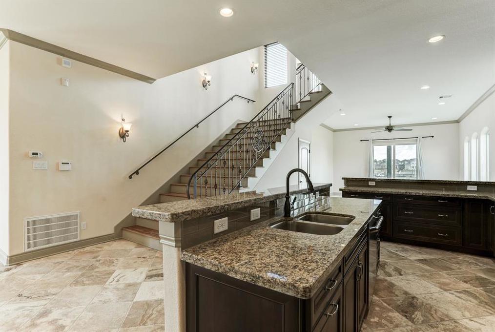 Option Pending | 2510 Beacon Circle League City, TX 77573 9